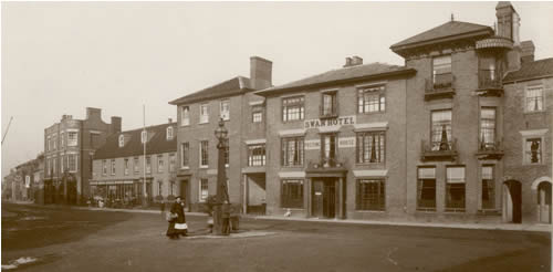 Where can i stay in southwold in the 1800s for Crown motor inn gun hill
